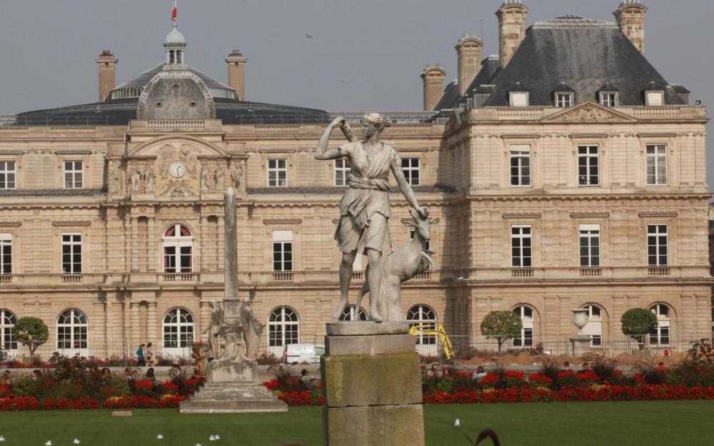 Paris : interpellés avec leur drone qui survolait le Sénat