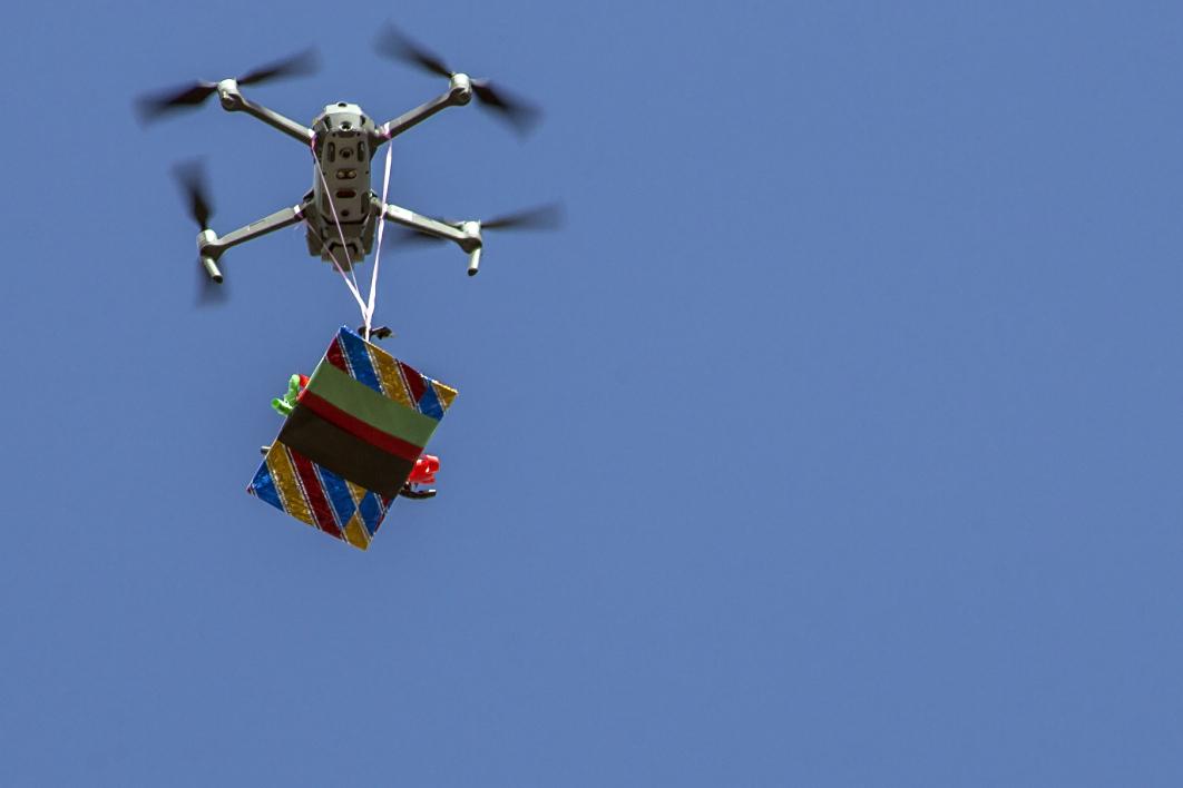 Etats-Unis: Google autorisé à effectuer les premières livraisons par drone
