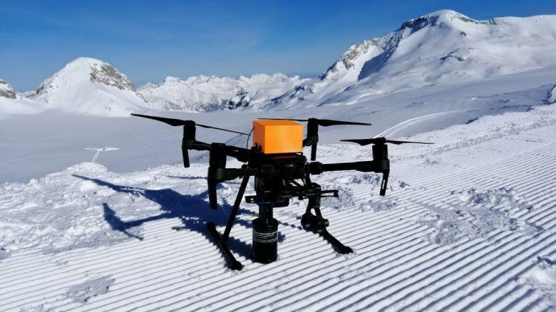 Un drone pour secourir efficacement les victimes d'avalanches développé par une Start'up suisse